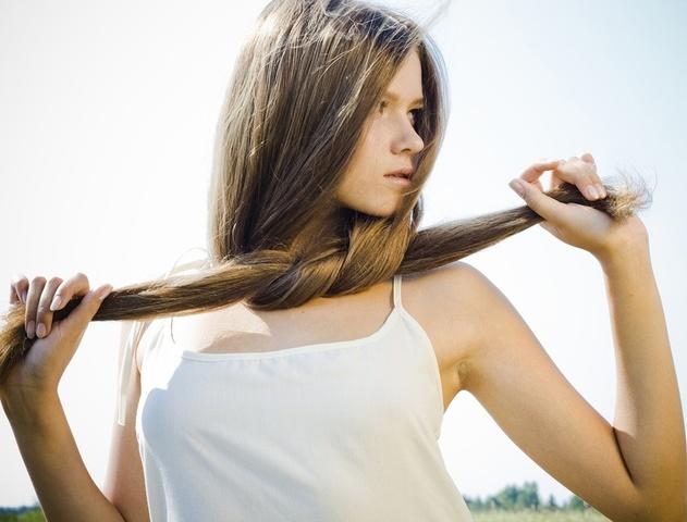 длинноволосая девушка