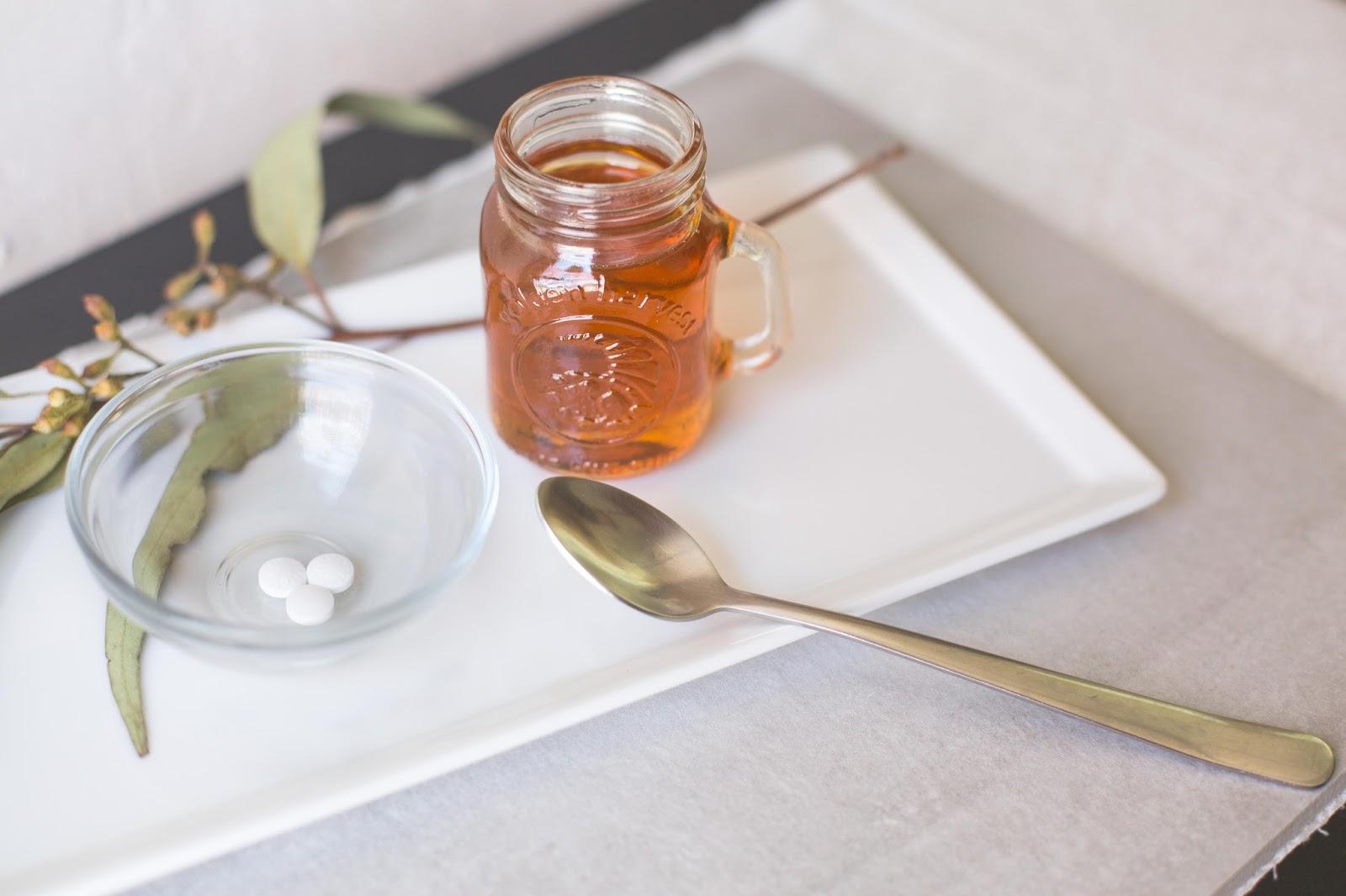 таблетки и мед