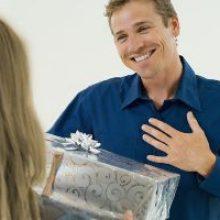 Что подарить коллеге-мужчине?