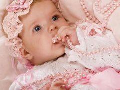 Что подарить на рождение девочки?