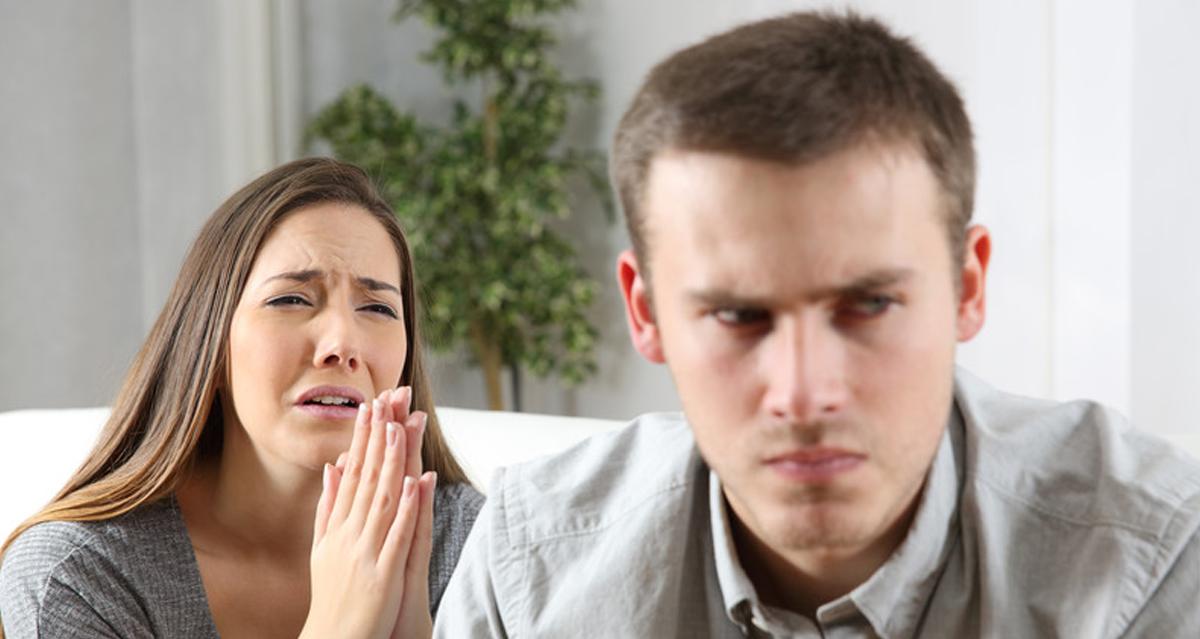 девушка просит парня ее простить