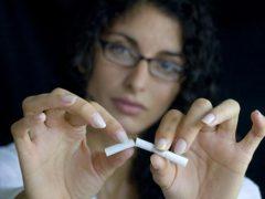 Как бросить курить женщине?