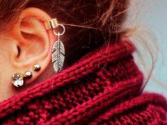 Как и куда делают прокол хряща уха?