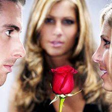 Как понять, что мужчина любит бывшую?