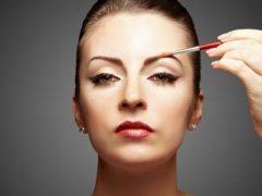 Как правильно красить брови тенями?
