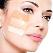 Как нужно наносить тональный крем на лицо?