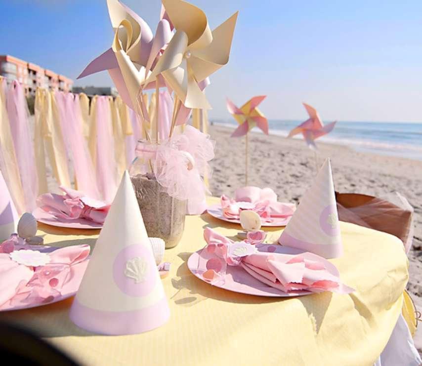 декорированный стол море