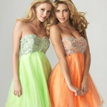 Платье на свадьбу к подруге: какое выбрать?