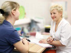 После осмотра гинеколога появились выделения— что делать?