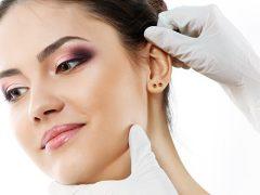Прокололи уши: как ухаживать, чем обрабатывать