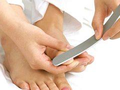 Ребристые неровные ногти на ногах: что делать?