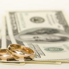 Сколько денег дарить на свадьбу?