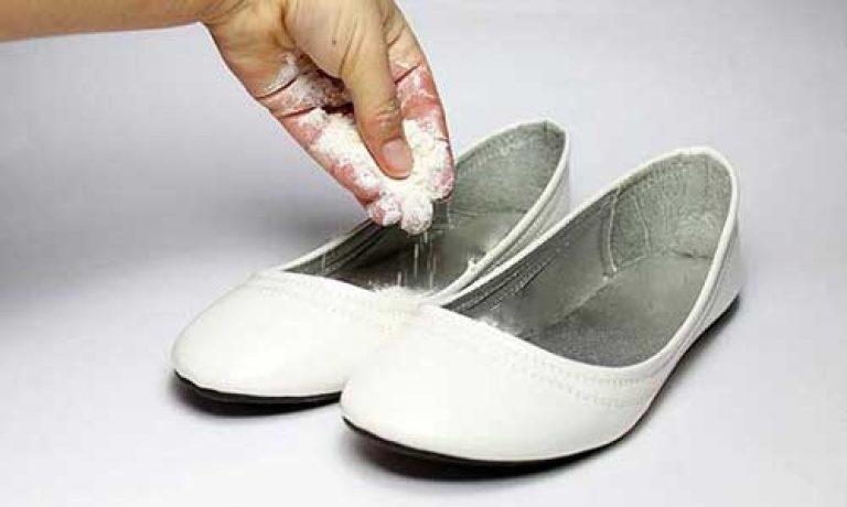 сода в туфли