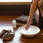 ножная ванночка в тазике