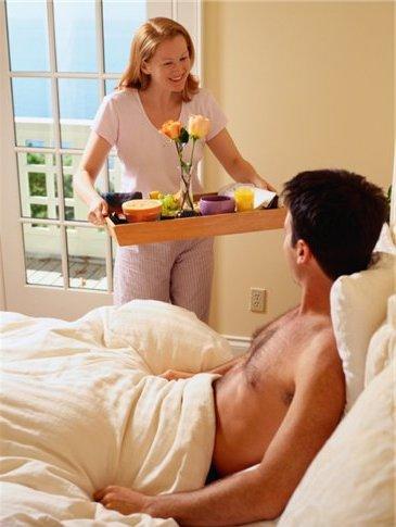 завтрак мужчине в постель