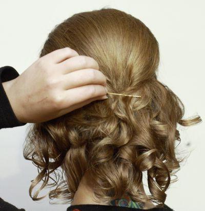 как правильно закалывать волосы шпильками