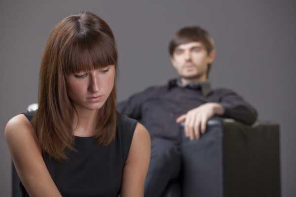 парень и девушка грустные
